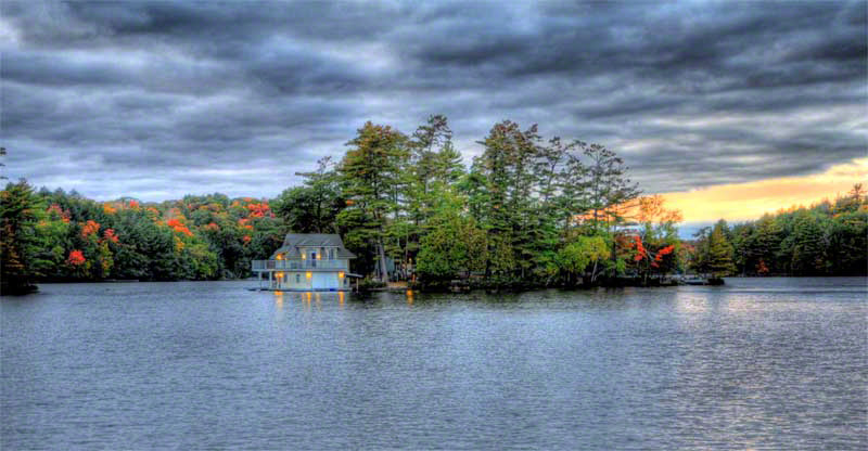Joseph River Muskoka Boathouse
